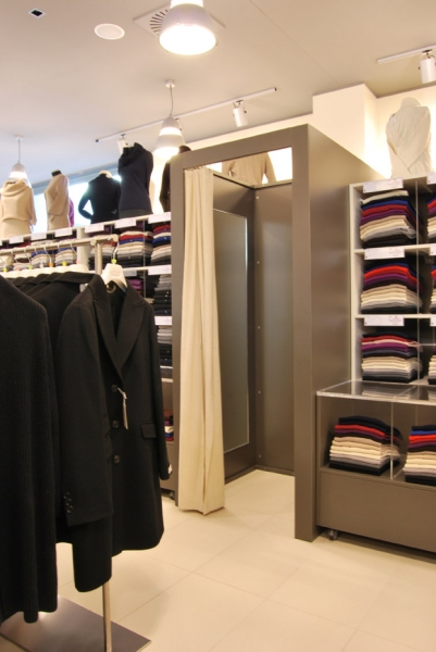Arredamento outlet casale monferrato al for Arredamento outlet